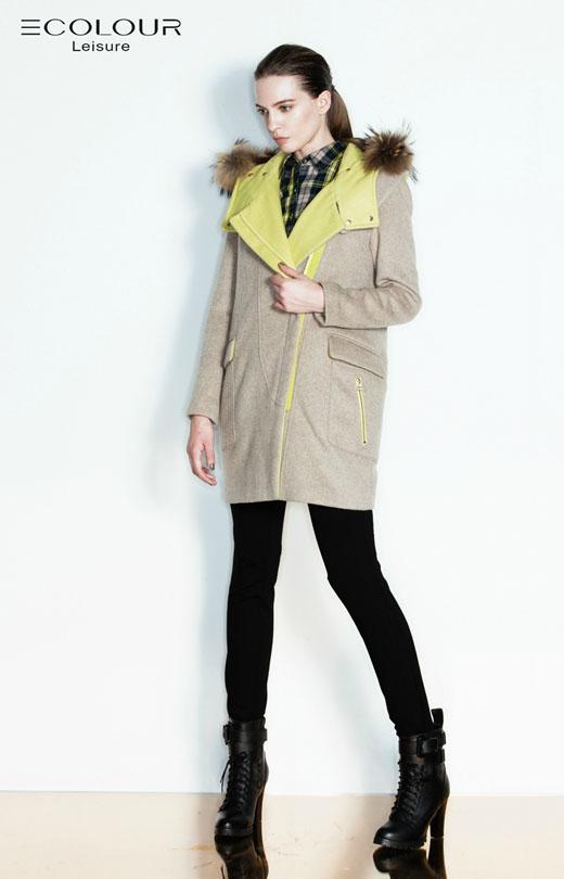 2013年冬装女外套_三彩丽雪2013冬装新款女装外套搭配 - 全球时尚品牌网