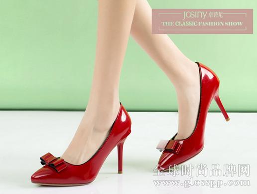 男人喜欢女生穿什么鞋图片