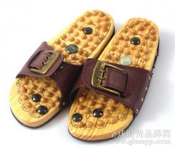 按摩拖鞋有用吗?穿按摩拖鞋好吗?