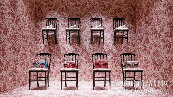 罗兰门店铺木地板是汤姆•福特(tom ford)担任其创意总监时的招牌