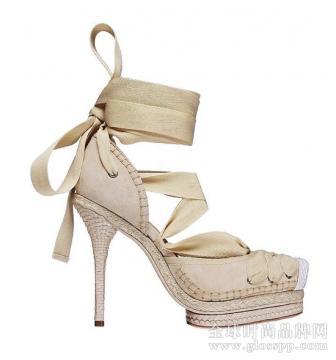 鞋子买窄了鞋子夹脚怎么办