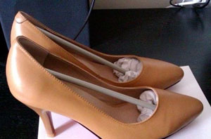新鞋夹脚怎么办