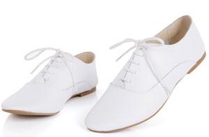 怎样防止白鞋发黄