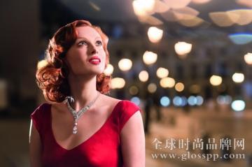 英国超模凯伦·埃尔森倾情演绎卡地亚钻石微电影