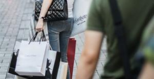 中国代购的奢侈品价值达人民币340亿到500亿元