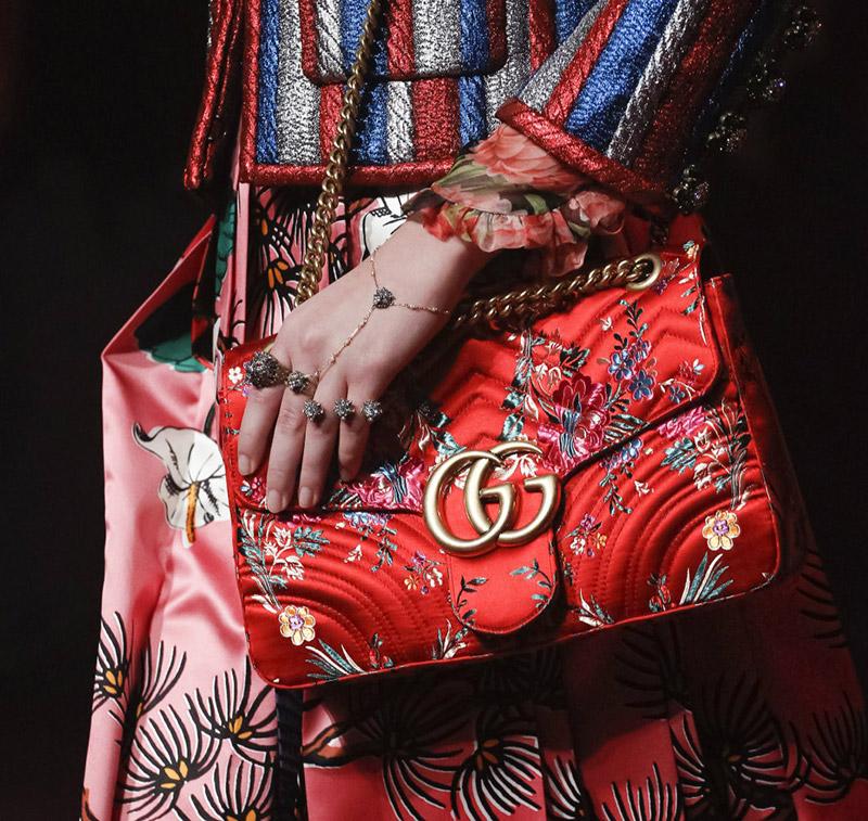追寻一季的时尚潮流,从鞋履和包袋入手方是正道