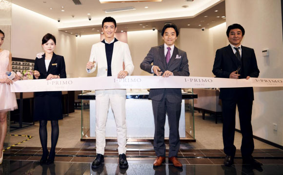 杜江现身日本婚戒I-PRIMO新店 与粉丝共度浪漫白色情人节