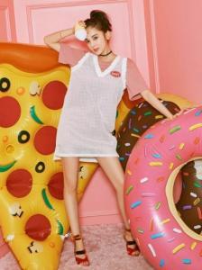 古力娜扎为HSTYLE韩都衣舍女装当模特尽显时尚潮流
