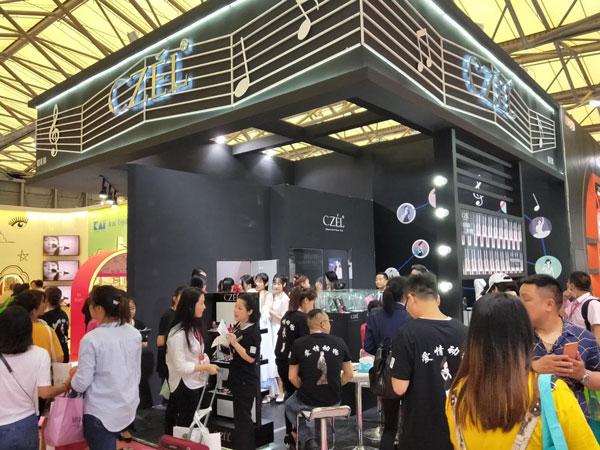 十二金钗惊艳2018上海美博会 绔姿彩妆推中式时尚妆容产品