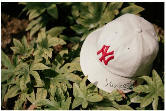 MLB帽子重磅上新,让你既甜美又个性