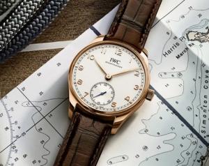 瑞士手表有哪些牌子?这个瑞士高端腕表品牌为您阐释精巧尺寸与经典外观之美