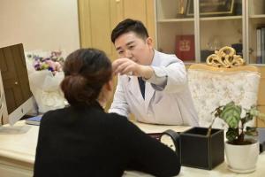 专访武汉美基元汪福强:一台成功手术背后的男人